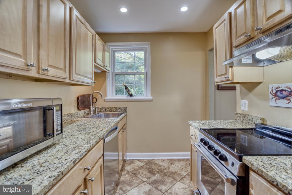 Upgraded granite! - 4819 27TH RD S #2503, ARLINGTON