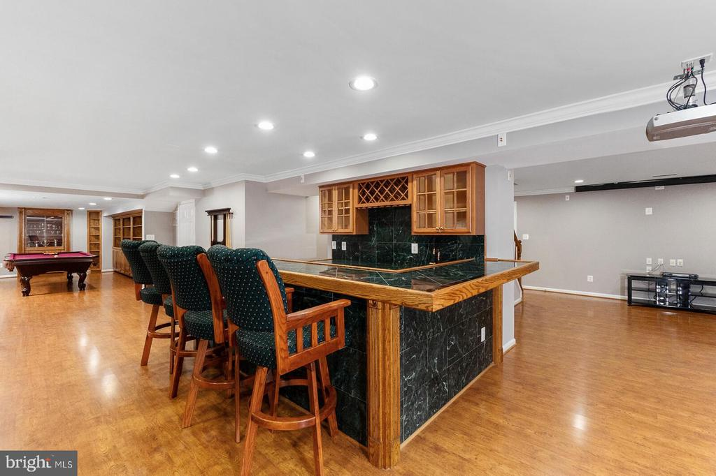 Basement Wet Bar Right View - 20588 TANGLEWOOD WAY, STERLING