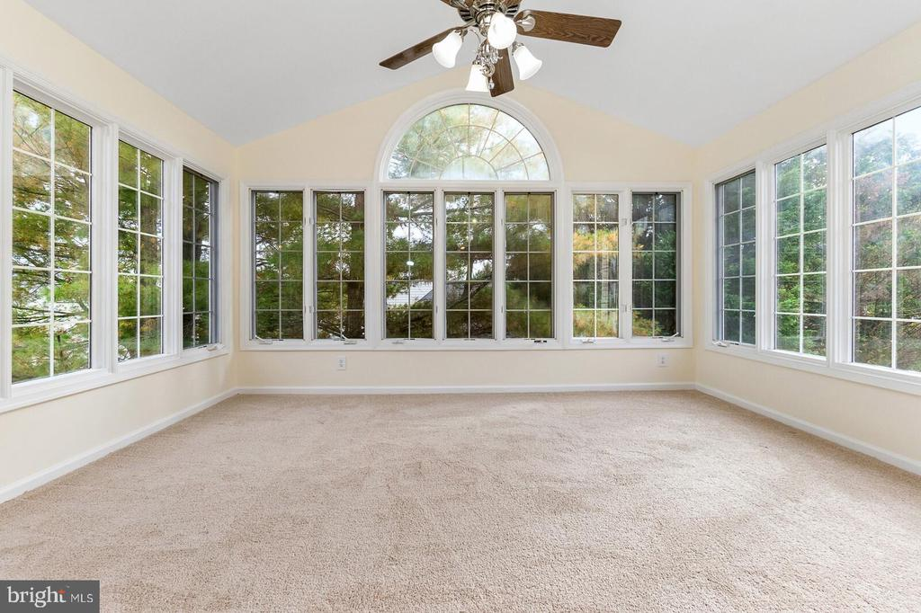Master Bed Sun Room - 20588 TANGLEWOOD WAY, STERLING