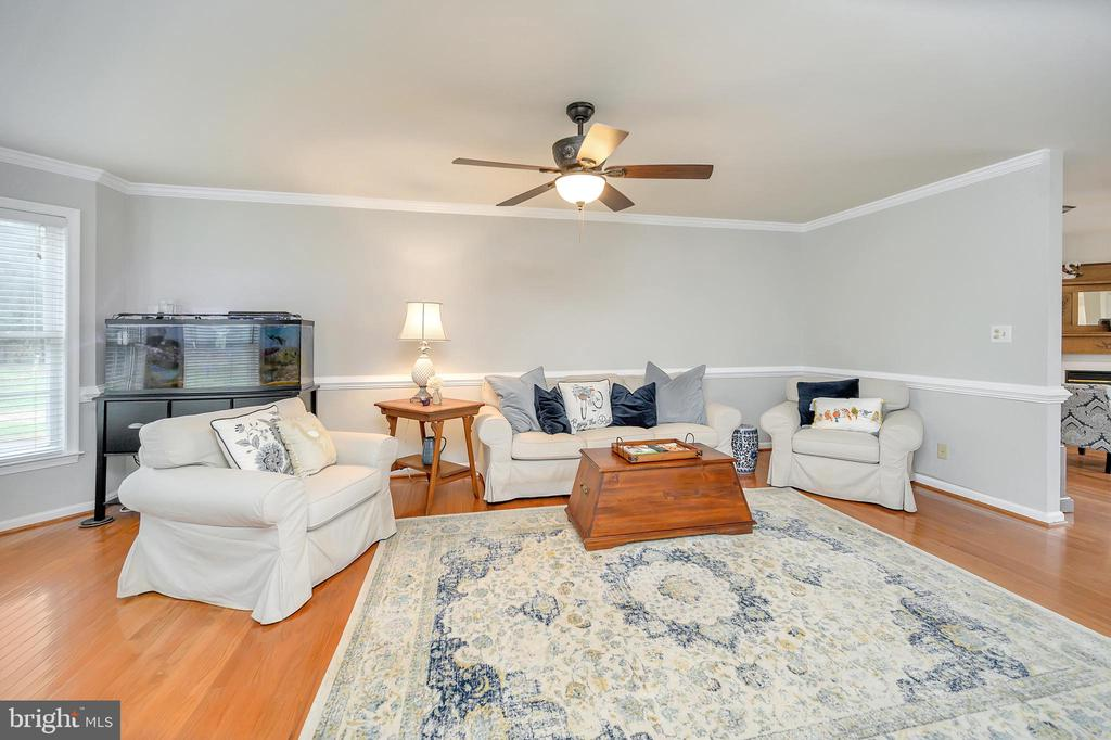 Formal living room with ceiling fan w/light. - 20 VAN HORN LN, STAFFORD