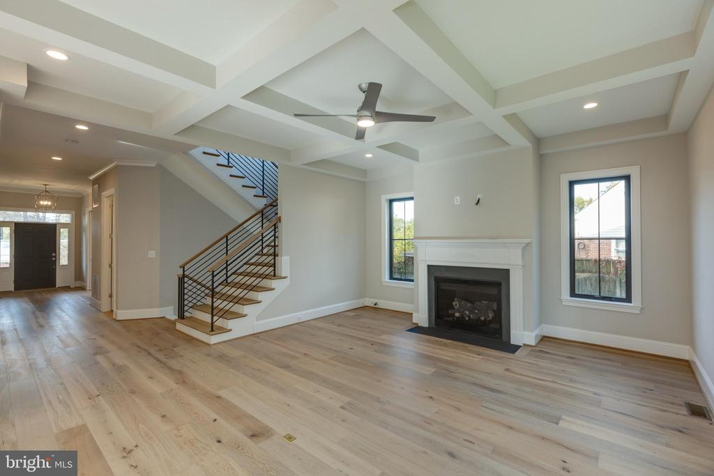 Coffered Ceilings Add Charm - 7401 TOWER ST, FALLS CHURCH