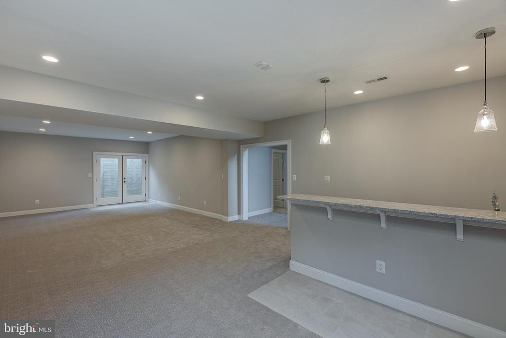 Large Entertainment Space - 7401 TOWER ST, FALLS CHURCH