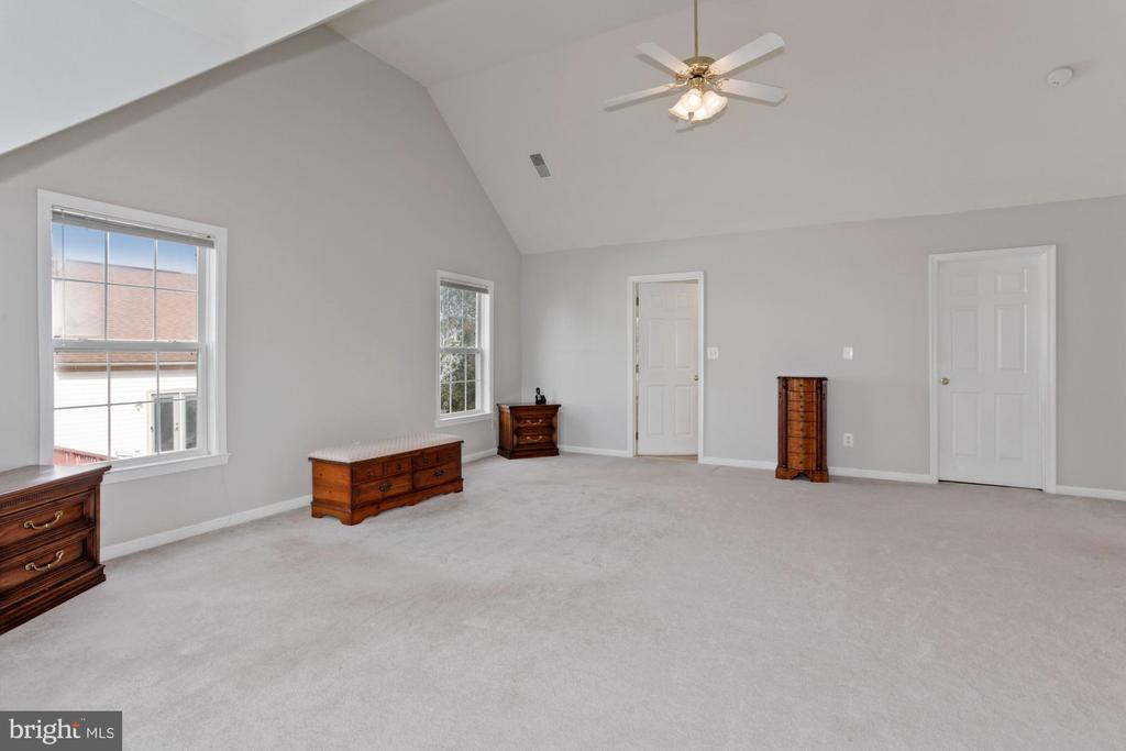 Huge Primary Bedroom - 10383 SESAME CT, MANASSAS
