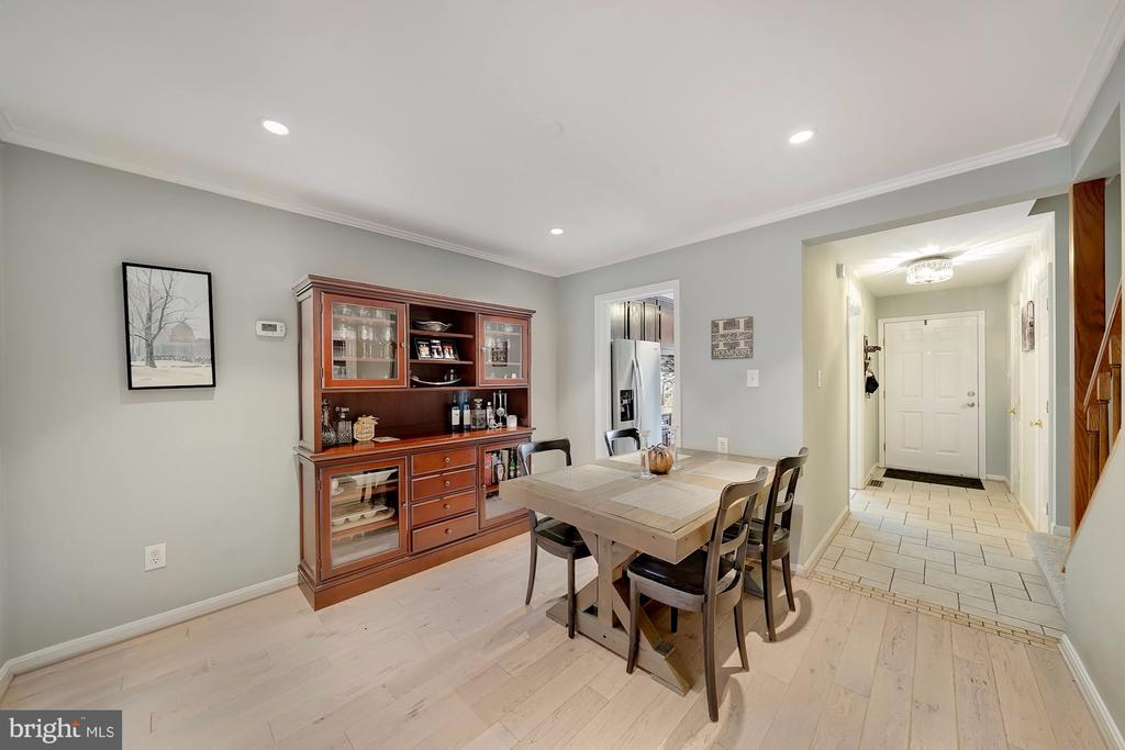 Dining Area with Hardwoods and Recessed Lights - 1168 N VERMONT ST, ARLINGTON