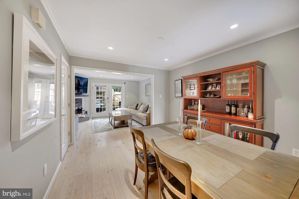 Formal Dining Space - 1168 N VERMONT ST, ARLINGTON