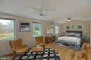 Oversized Primary Bedroom - 6947 N FOUR MILE RUN DR, ARLINGTON