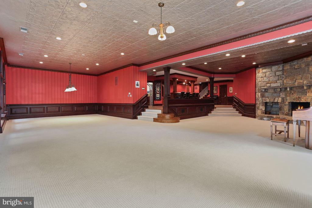 Recreation rm with billiard area next to full bar - 7984 GEORGETOWN PIKE, MCLEAN