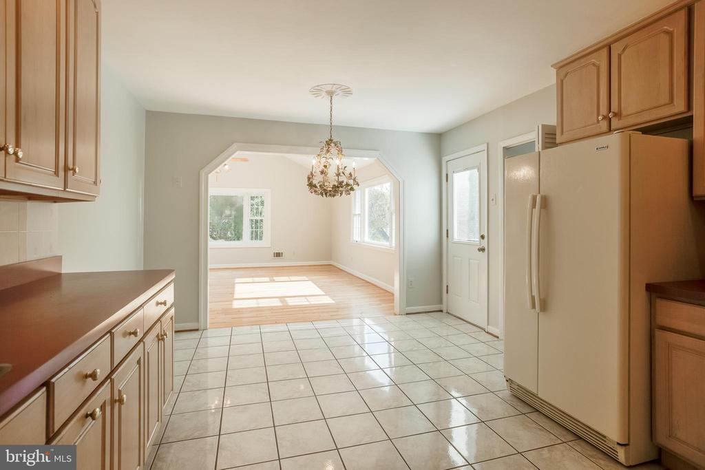 Kitchen - 12813 LAYHILL RD, SILVER SPRING