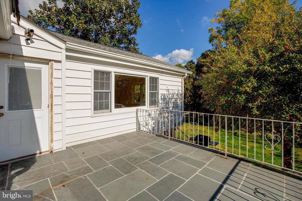 Deck off of kitchen - 12813 LAYHILL RD, SILVER SPRING