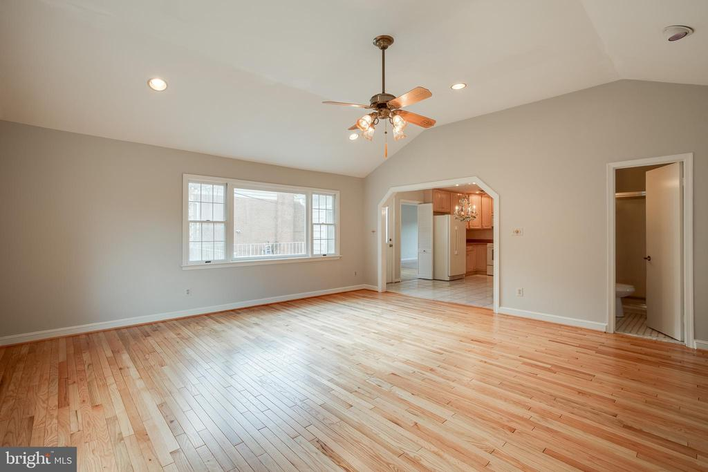 Family Room - 12813 LAYHILL RD, SILVER SPRING