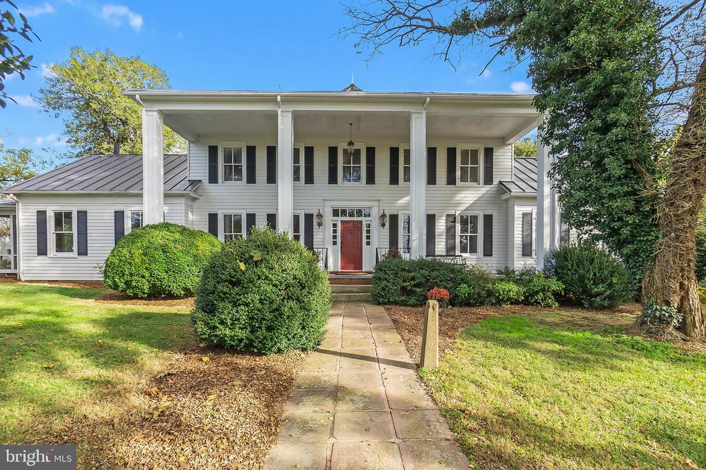 Stately Estate Home circa early 1900s - 7901 MELTON LN, SPOTSYLVANIA