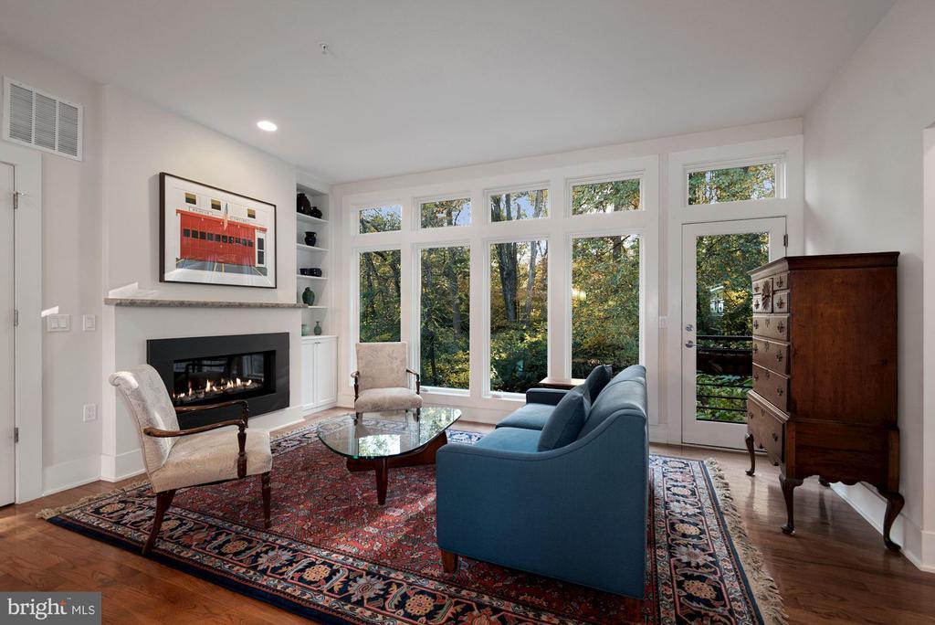 Living Area with Balcony - 5204 WILLET BRIDGE CT, BETHESDA