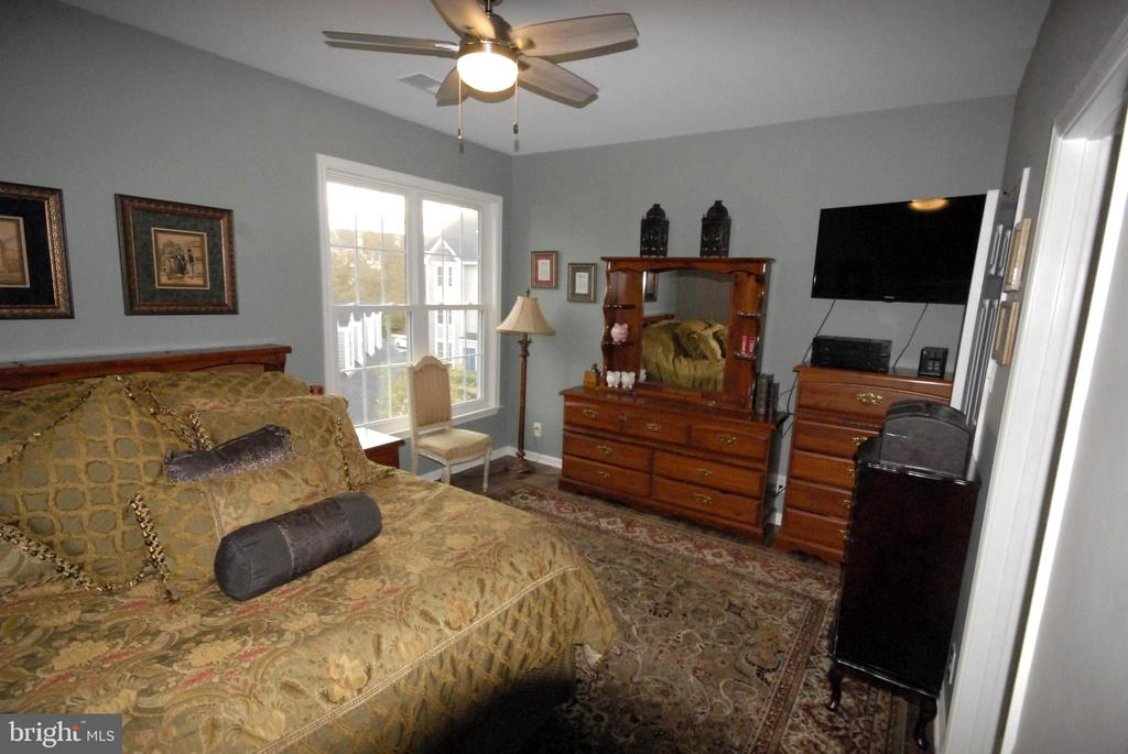 Owner's suite - 46580 DRYSDALE TER #300, STERLING