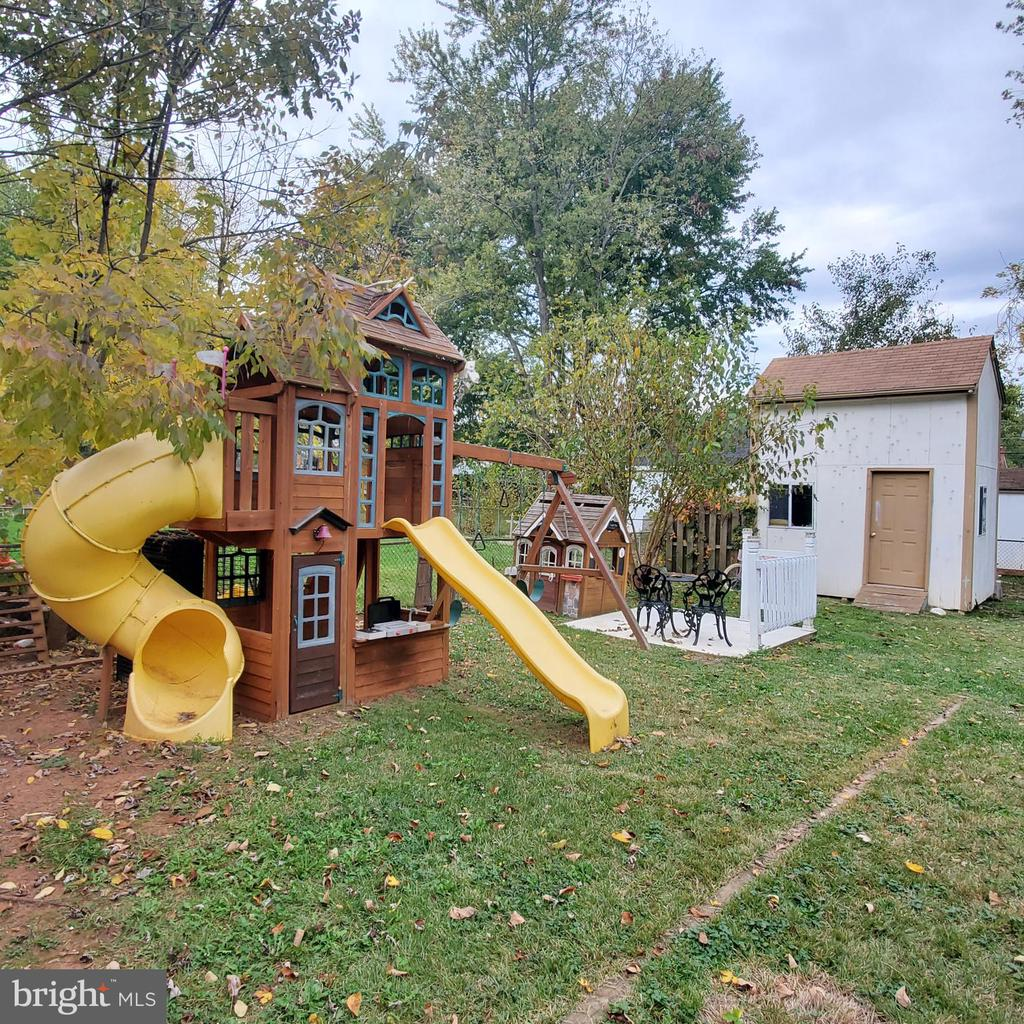 Shed & Playground Equip - 9720 KING GEORGE DR, MANASSAS