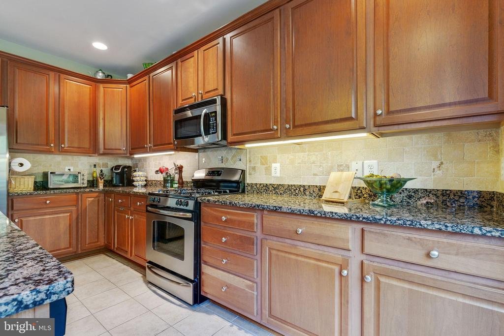 Kitchen - 42762 KEILLER TER, ASHBURN