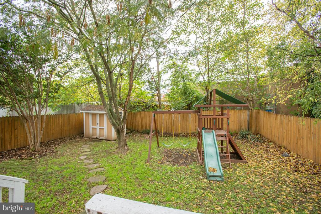 Back yard with playground and shed - 313 WOLFE ST, FREDERICKSBURG