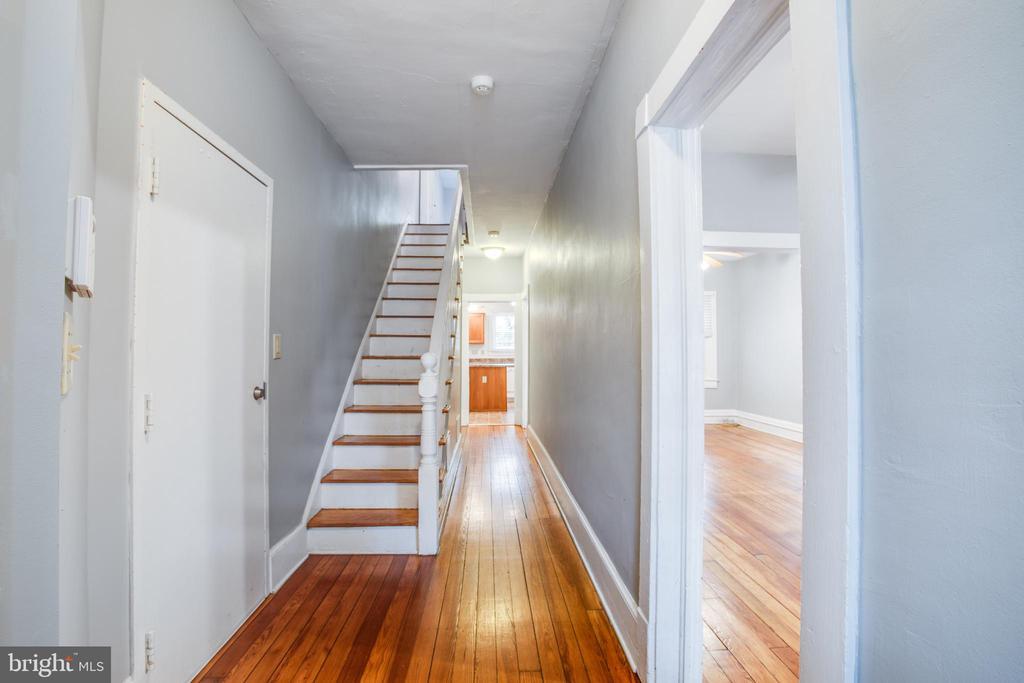 Right side stairwell - 313 WOLFE ST, FREDERICKSBURG