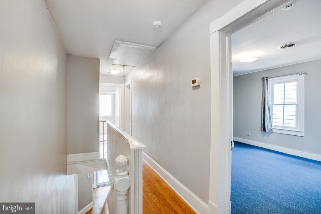Upstairs hallway - 313 WOLFE ST, FREDERICKSBURG