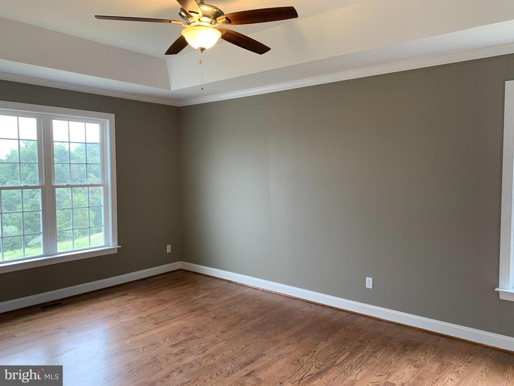 Ex Master Bedroom - C-30 CREOLA DR, WINCHESTER