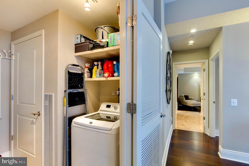 Laundry - 11990 MARKET ST #1803, RESTON