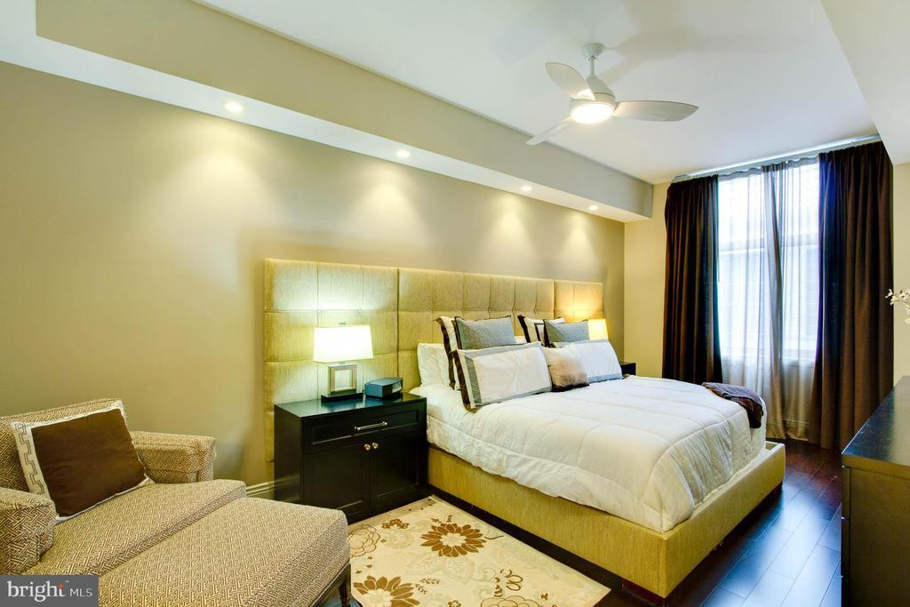 Bedroom - Primary - 11990 MARKET ST #1803, RESTON