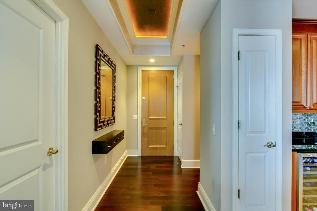 Entry - Hallway - 11990 MARKET ST #1803, RESTON
