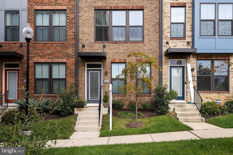 Single Family Homes 용 매매 에 Hyattsville, 메릴랜드 20782 미국