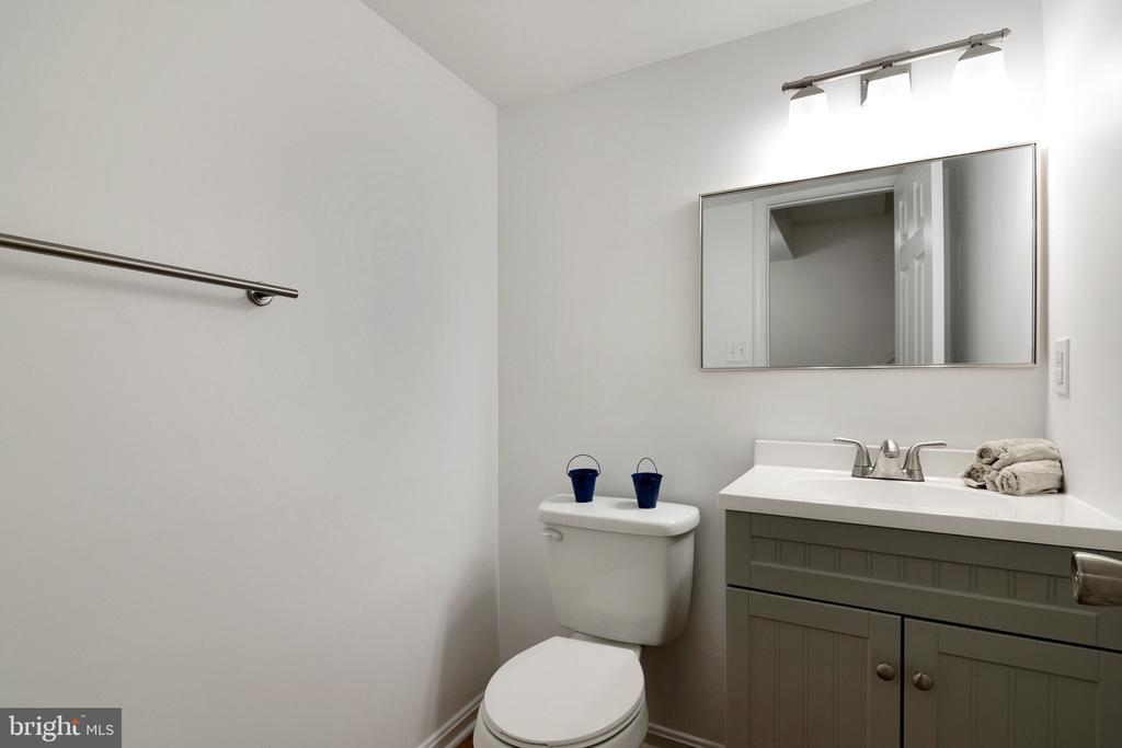 Half Bath - Lower Level - 6304 TEAKWOOD CT, BURKE