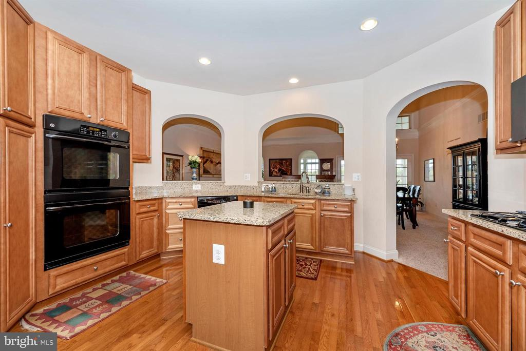 Great central location for entertaining. - 2513 MILL RACE RD, FREDERICK