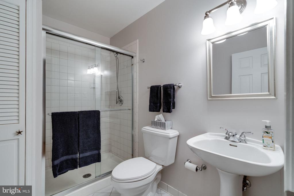 Lower level bath - 10118 HAMPTON WOODS DR, FAIRFAX STATION