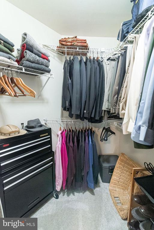 Ample sized walk in closet for second bedroom - 46580 DRYSDALE TER #300, STERLING
