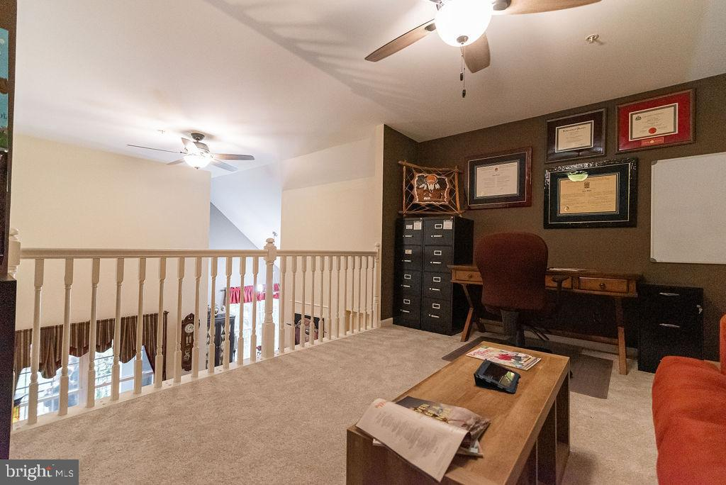 Loft has so many possibilities! - 46580 DRYSDALE TER #300, STERLING