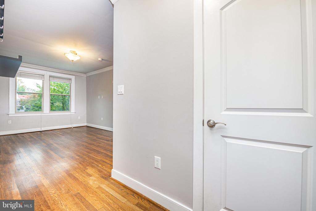 Large entryway coat closet - 3025 PORTER ST NW #23, WASHINGTON