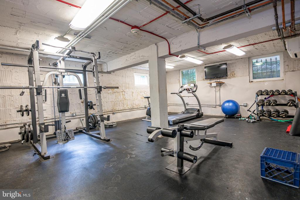 Gym in basement - 3025 PORTER ST NW #23, WASHINGTON