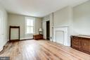 Large bedroom facing King Street - 210 N KING ST, LEESBURG