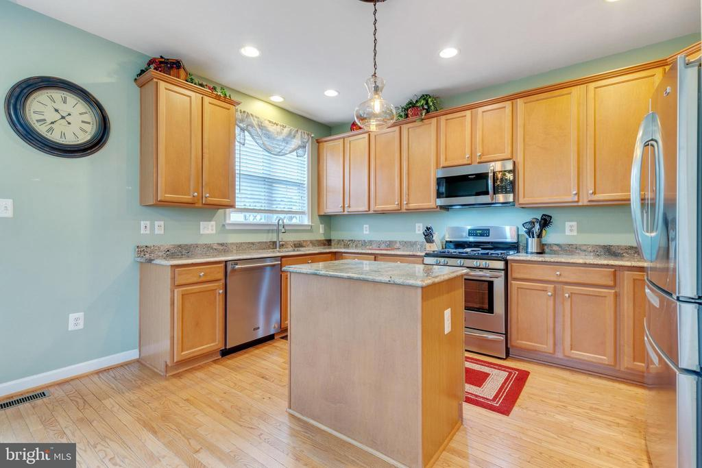 Open and Updated Kitchen with New Lighting - 42475 MAGELLAN SQ, ASHBURN