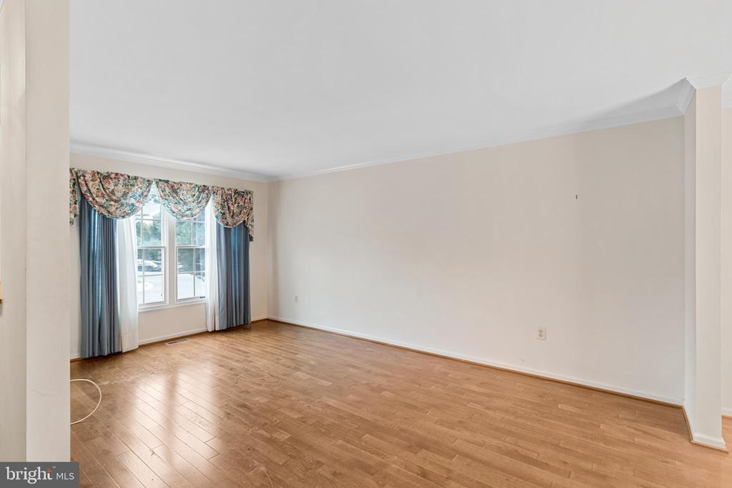 Living Room - 7833 BLUE GRAY CIR, MANASSAS