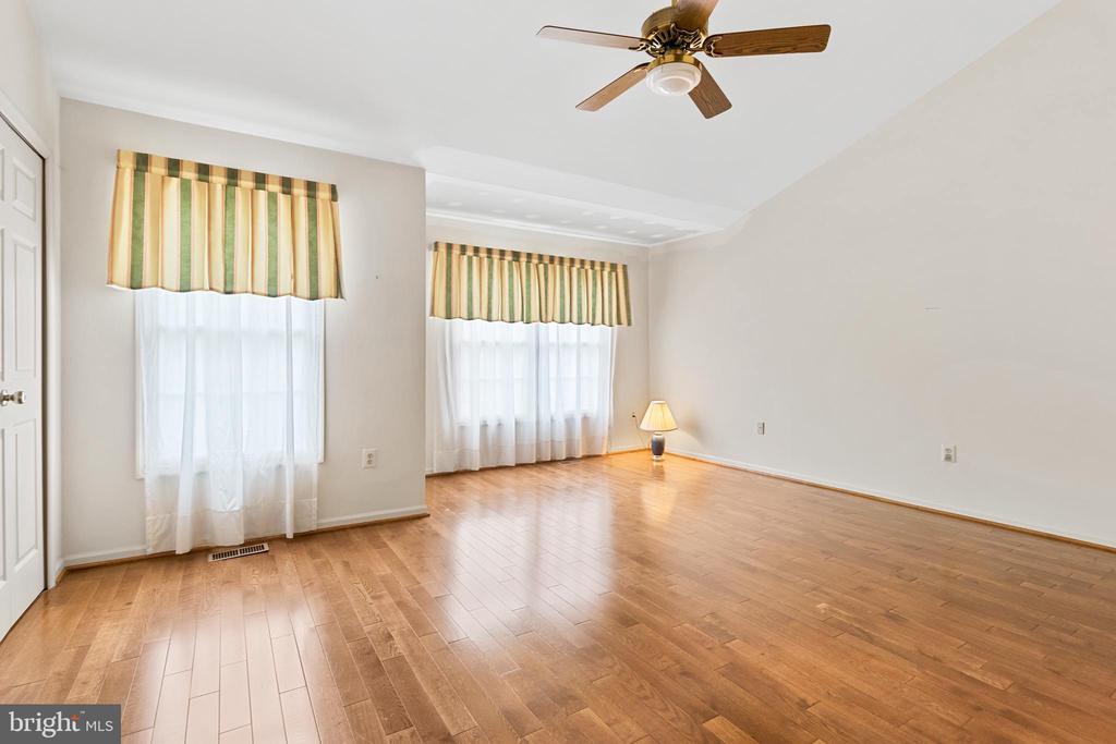 1st Master Bedroom - 7833 BLUE GRAY CIR, MANASSAS