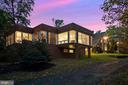 Contemporary wing at twilight - 40568 HIDDEN HILLS LN, PAEONIAN SPRINGS