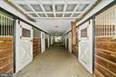 12 stalls in bank barn - 40568 HIDDEN HILLS LN, PAEONIAN SPRINGS