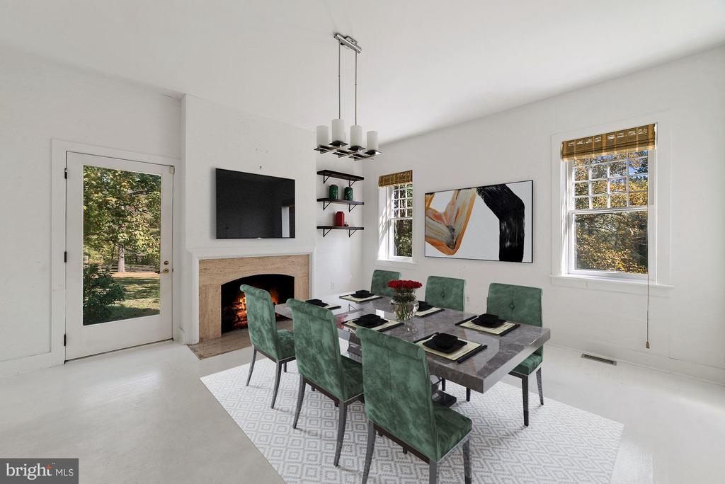Breakfast Rm off kitchen with fireplace - 40568 HIDDEN HILLS LN, PAEONIAN SPRINGS