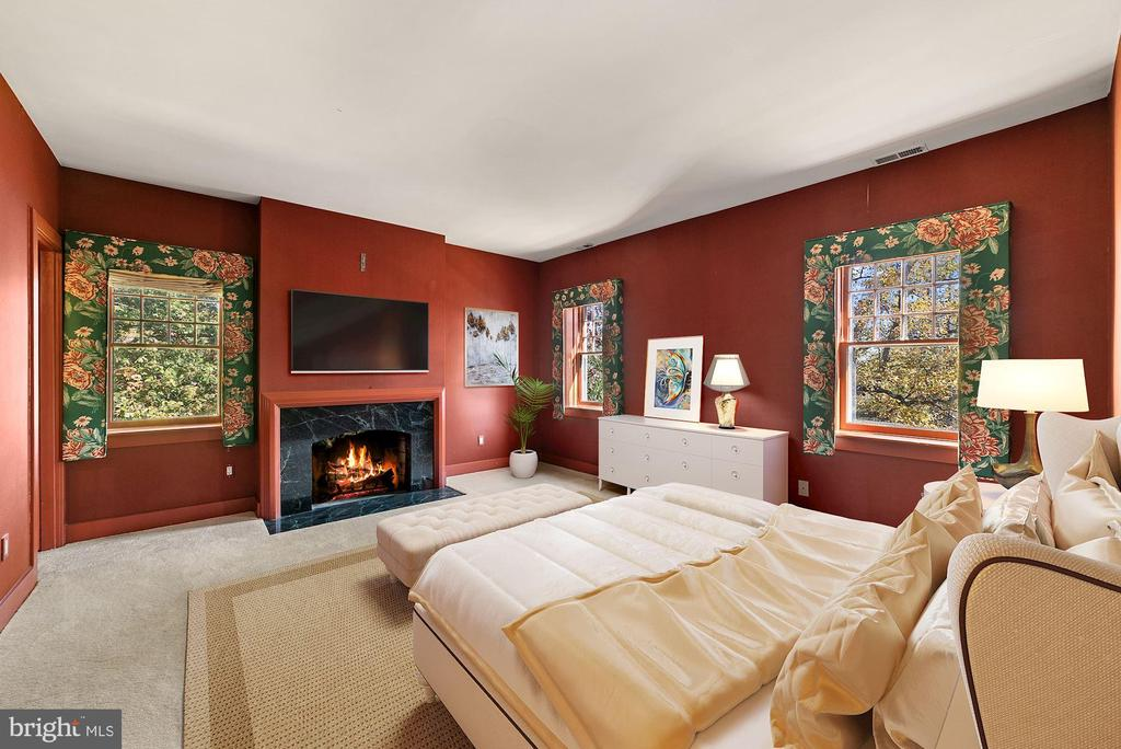 Another bedroom, there are three additional BRs up - 40568 HIDDEN HILLS LN, PAEONIAN SPRINGS