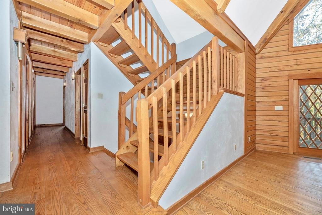 Stairway, main level hall - 7319 BALTIMORE NATIONAL PIKE, FREDERICK