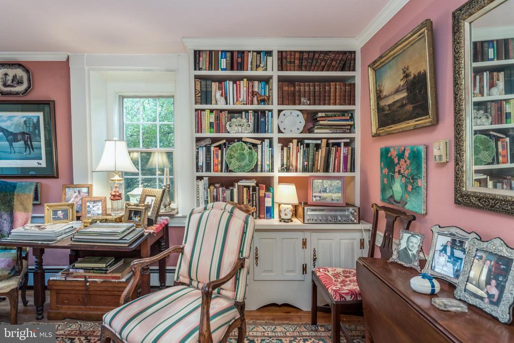 Living Room - 19010 GUINEA BRIDGE RD, PURCELLVILLE