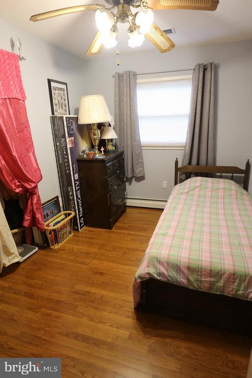 4th Bedroom Hardwood Floors - 7707 DUBLIN DR, MANASSAS