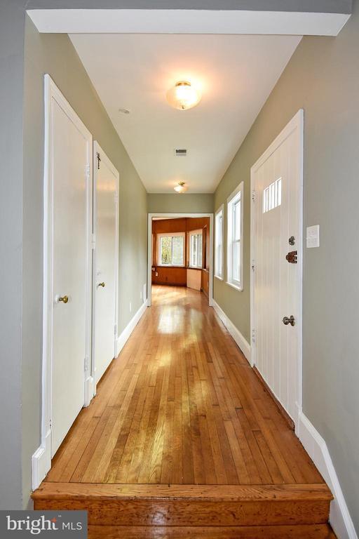 Hallway/Beautiful Hardwood Floors - 8700 ARLINGTON BLVD, FAIRFAX