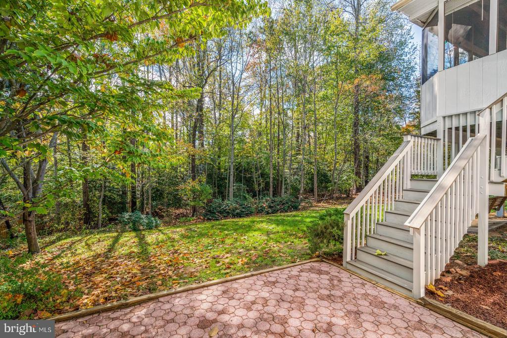Patio from from Walk Out & Stairs to Upper Level. - 7893 MEADOWGATE DR, MANASSAS