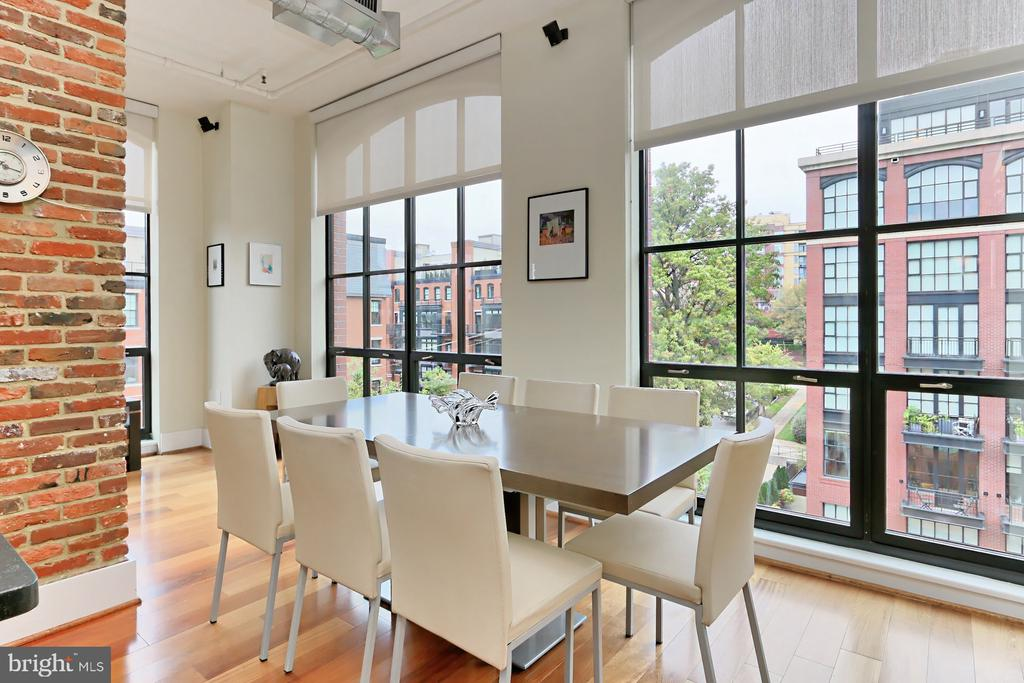 Dining area in great room - 1615 N QUEEN ST #M601, ARLINGTON