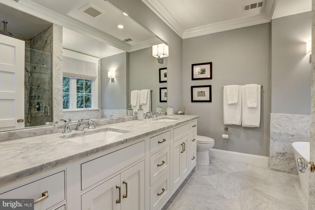 Luxurious Owner's Bathroom w/Heated Flooring - 3307 MACOMB ST NW, WASHINGTON
