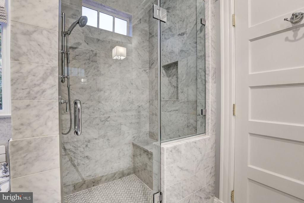 Marble-Tiled Walk-In Shower - 3307 MACOMB ST NW, WASHINGTON